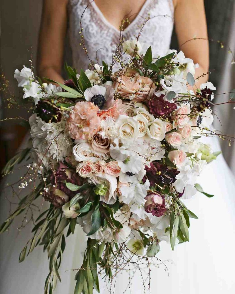 Cascade Bouquets Are Back